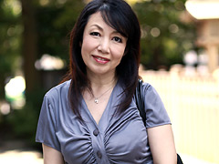 60歳でGカップ柔肌好色未亡人 紗香(60)1