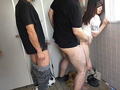 公衆トイレ美少女集団強姦映像