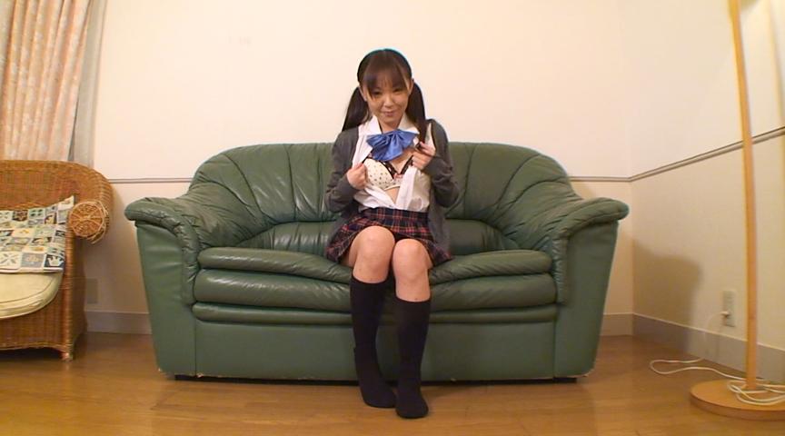 ロリータ女優たちの自画撮り淫語おもらしオナニーのサンプル画像1