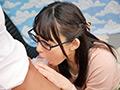 IENF-046 素人お嬢さん ラップ1枚隔ててお友達と素股体験 無料画像1