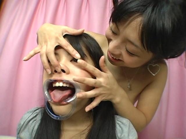 顔面いじって、接吻・鼻舐めレズ。 画像 7