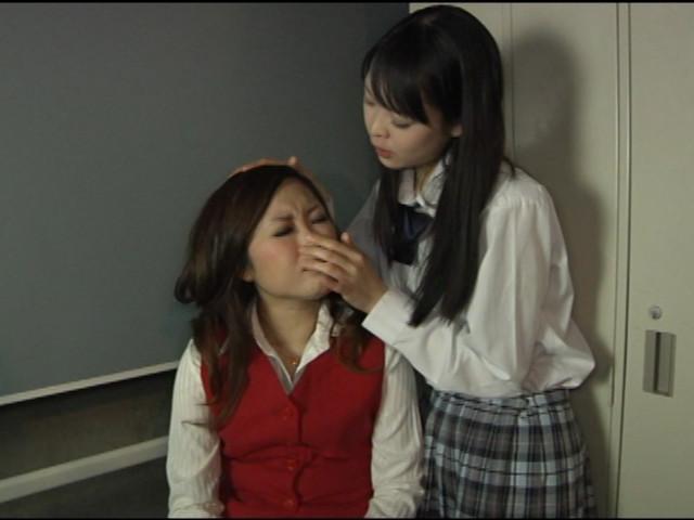雌女達の激しい接吻・鼻舐め交尾 画像 2