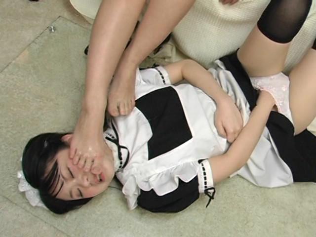神埼レオナの最高に下品な接吻レズ 画像 13