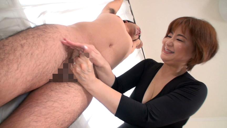 射精しても止めない!!人妻熟女の悶絶手コキ責め 画像 8