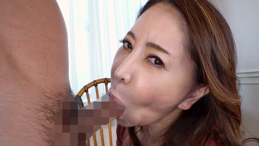 おフェラのお仕事にやってきた五十路熟女に口内射精!2 画像 7
