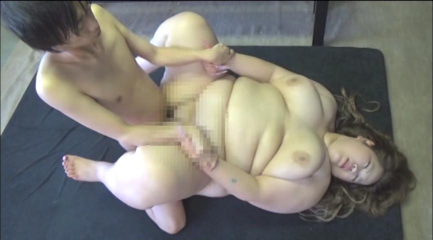 体重140kgの淫らな満肉に埋もれて 画像 8