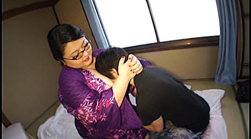 老舗旅館の爆乳女将 葉山雅:画像(1)