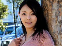 熟女:元レースクイーンの美人美脚奥さん。AV出演!