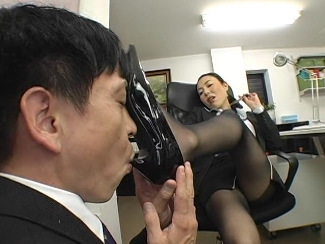 美脚でM男を調教するサディスティック性感教育DX4時間
