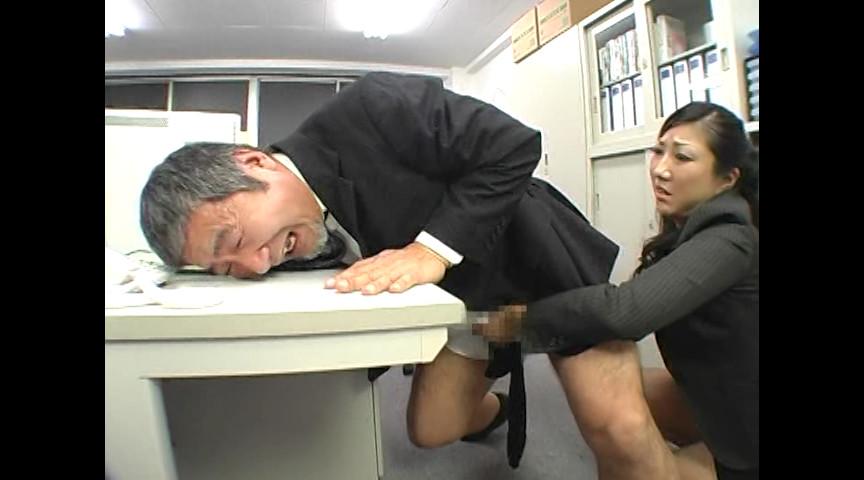 M男のアナル調教しながら手コキで責め続ける女たちDX