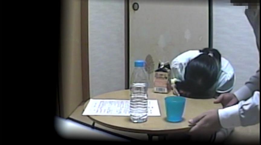 女生徒に連続昏〇レ〇プしている所をカメラ仕掛け録画!のサンプル画像