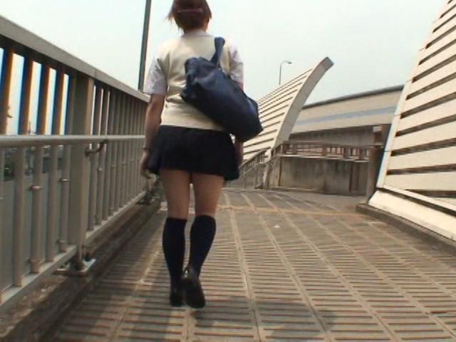 爆裂強襲スカートめくり!!1 【女子校生編】 画像 9