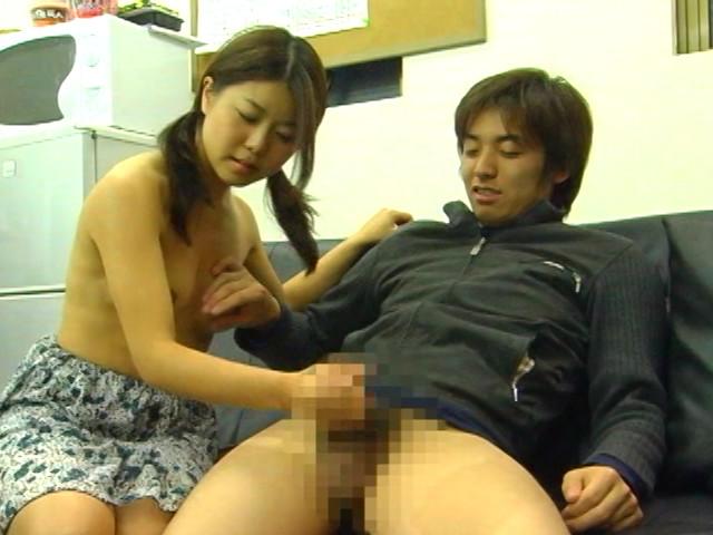 キモオタM男の顔におっぱいを押しつけて強制手コキのサンプル画像