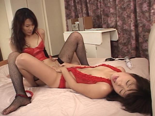 ドS熟女とマゾ娘のレズ調教のサンプル画像7
