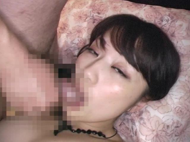 スケベな熟女に淫語でセンズリを強制された僕 の画像13