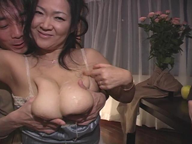 爆乳義母は痴女 城エレン の画像7