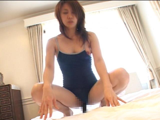 競泳水着を着た熟女を拘束電マ・バイブ責め の画像13