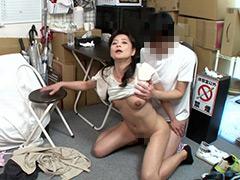 パートの人妻さんが若い従業員をこっそり連れ込んで楽しむヤリ部屋になっているバイト先の休憩室05