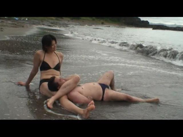 足で餌を与える女達 水責め・足舐め豚奴隷 の画像9
