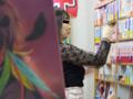 【書店痴漢】スケベでエロい巨乳お姉さんのサムネイルエロ画像No.1