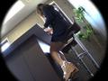 【痴漢映画館】エチエチな女子大生と濃厚接触のサムネイルエロ画像No.1
