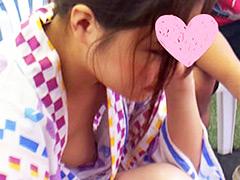 【パンチラ胸チラ盗撮】職場の女の子の乳首や下着を隠し撮り【縦動画】