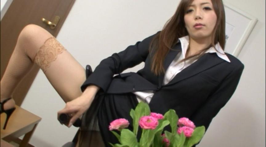 社長秘書が社内のチ●ポ、片っ端から喰いまくり 画像 2