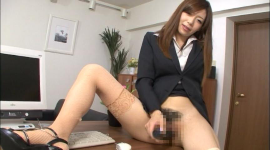社長秘書が社内のチ●ポ、片っ端から喰いまくり 画像 3