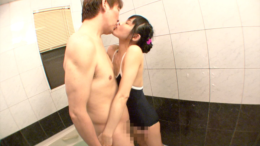 ロリ体型の娘と風呂淫行 4時間
