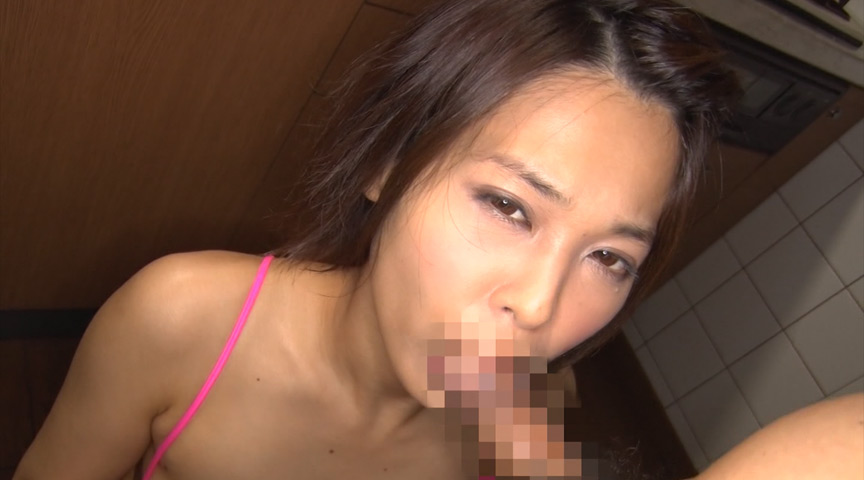 スレンダー美少女と密室制服デート 紗藤まゆ 19歳 画像 14