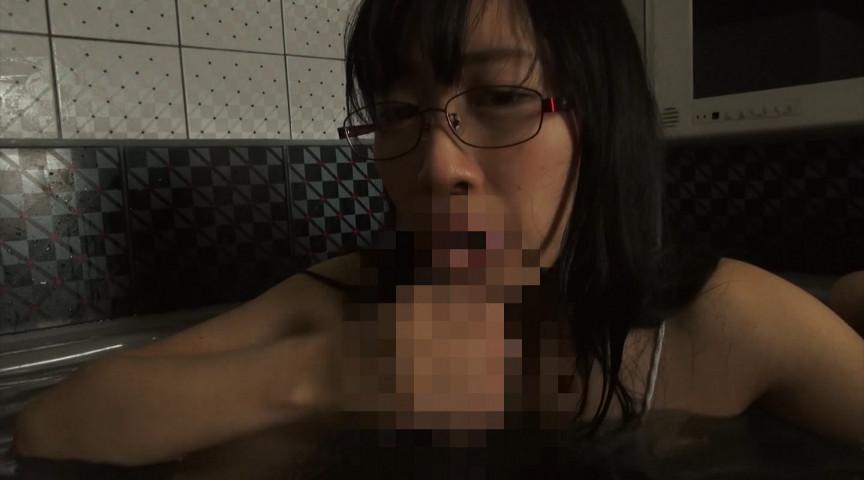 メガネっ娘と濃密中出しセックス なみ 19歳 画像 15