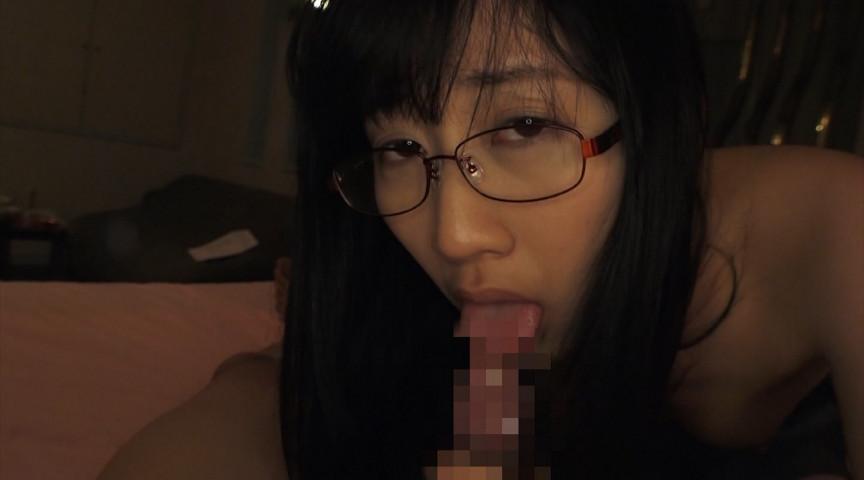 メガネっ娘と濃密中出しセックス なみ 19歳 画像 17