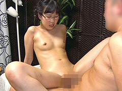 ロリ顔パイパン美少女と密室変態SEX 10人8時間2枚組