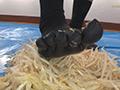 倉科ちゃんのもやしクラッシュ 五本指靴下のサムネイルエロ画像No.4