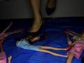 黒レースのキトゥンヒールでクラッシュ!のサムネイルエロ画像No.4