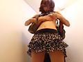 着替中に背後から乳房を襲われる女7...thumbnai9
