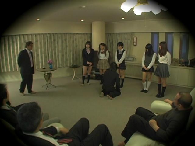 女王様JK売買 Mオヤジが集まる秘密サークル盗撮のサンプル画像6