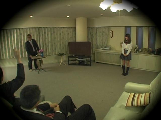女王様JK売買 Mオヤジが集まる秘密サークル盗撮のサンプル画像13