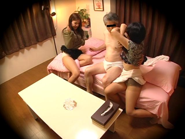 母子の自宅W売春盗撮2のサンプル画像