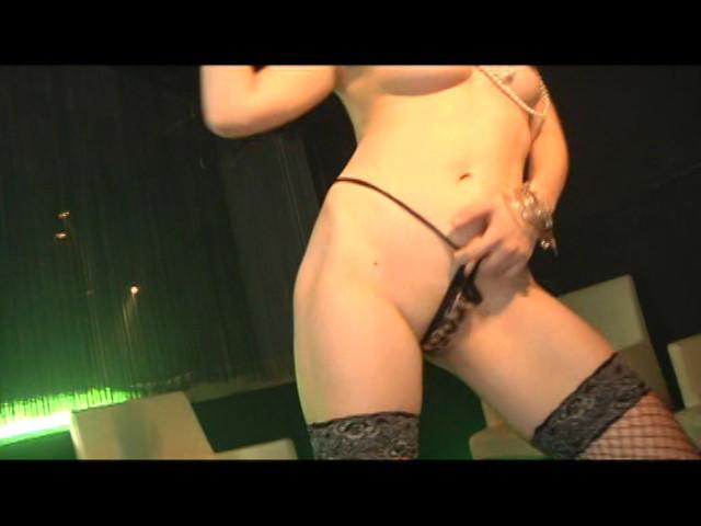 ボディコン全裸オイルダンス の画像15