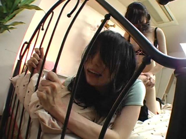 近親相姦レズ 義母と娘 4時間 画像 12
