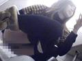 [maniazero-0794] 大型ショッピングモール女子便所で盗撮に成功!