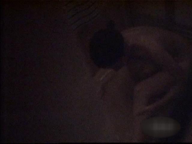 さみしい熟女の私生活を特殊な方法で隠し撮り!のサンプル画像12
