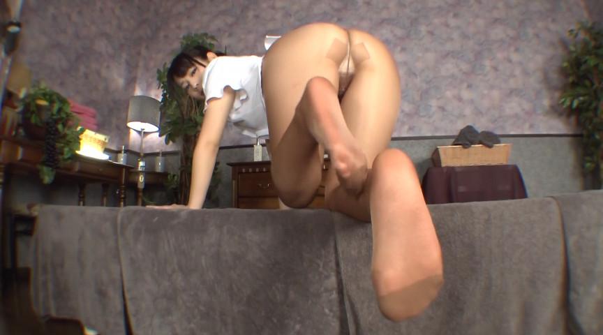 働くお姉さんの蒸れたパンスト美脚、ナイロンの質感5 画像 14