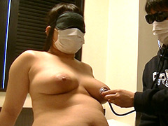 【辱め動画】ぽっちゃり巨乳おっぱい-おっぱいくすぐり身体検査