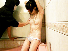 「ツインテール美少女 初めてのお風呂編」のパッケージ画像