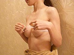 きれいなおっぱいは好きですか?(3) 腹筋美女