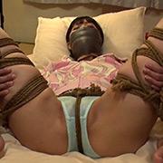 ロープで縛られ苦しみ悶える女(今井まい)