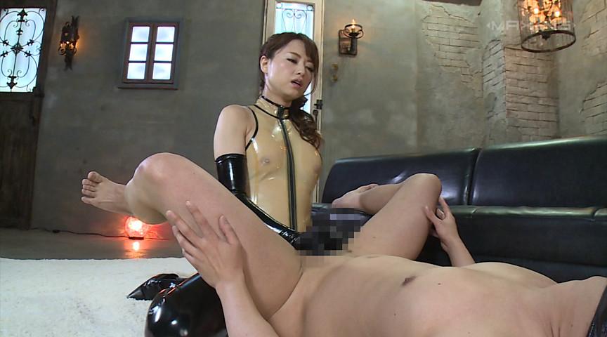 至高のペニバンアナル男犯 吉沢明歩 画像 16