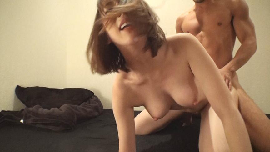 マッチョな肉体にときめいて、中出しされた人妻たちSP2 画像 2